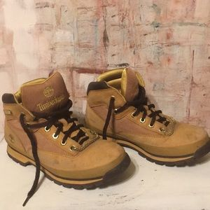 Timberlands women's size 7 ON SALE